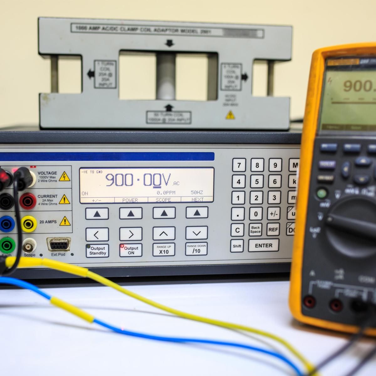 Medición y Calibración de Variables Eléctricas